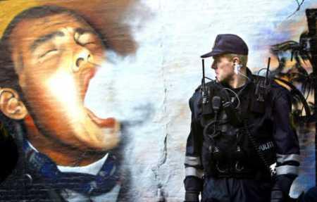 Pot, bonghoveder, kriminalitet, gangstere, rockere, vold, anarki og realitetsforfjernet selvtægt.