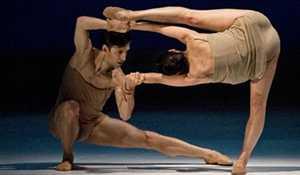 Kan godt være ballet er en anelse elitært; men de har gåd'någ godt styr på kroppen :-)