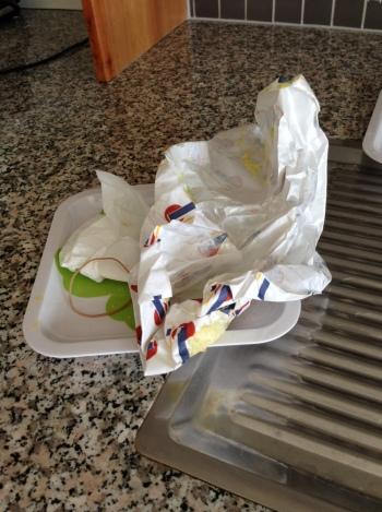 Hun sagde hun bestilte en stor sandwich så jeg kunne få resten; men...