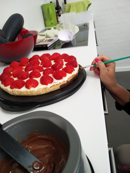 Når OverKommandoen laver kage, bliver det gjort ordenligt!