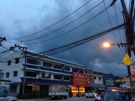 171213_thailand_night_sky